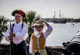 children_reenactors_castillo_5x3